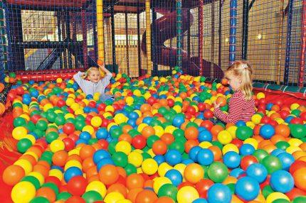 Indoorspeeltuin van Landal Lommerbergen