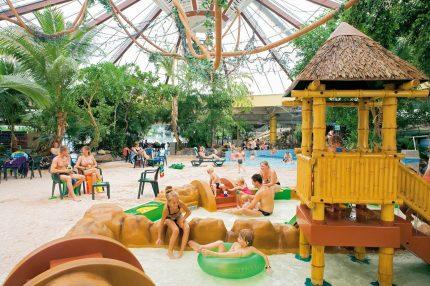 Het Vennenbos subtropisch zwembad